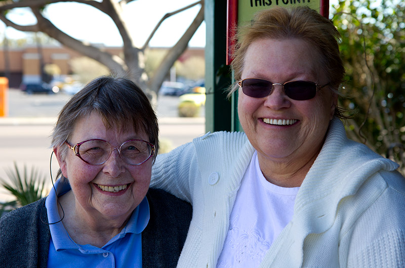 Jutta Engelhardt and Karen Goff meeting for lunch in Phoenix, Arizona
